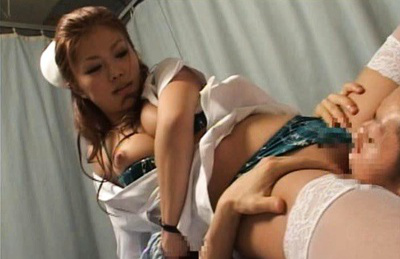 Akane hotaru. Akane Hotaru poses on the face of her friend in the hospital