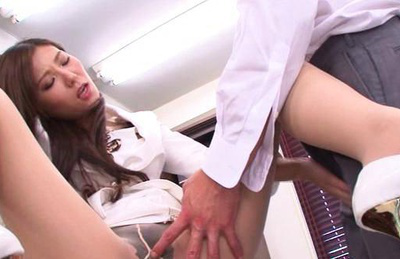Httpfhg3 idols69 com43917yunashina2tgav003yunashiinafuckswithhornyguys6natsmjeymjk6mte6mq000219385. Hot Yuna Shiina gets her kitty teased passionately in office