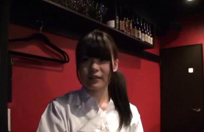 Japanese av model. Amateur AV Model with hot eyes works in a bar and wants real make love
