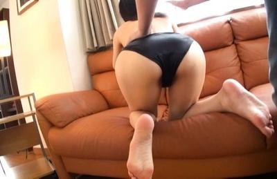 Moe fujisaki. Moe Fujisaki loves rubbing her wet pussy